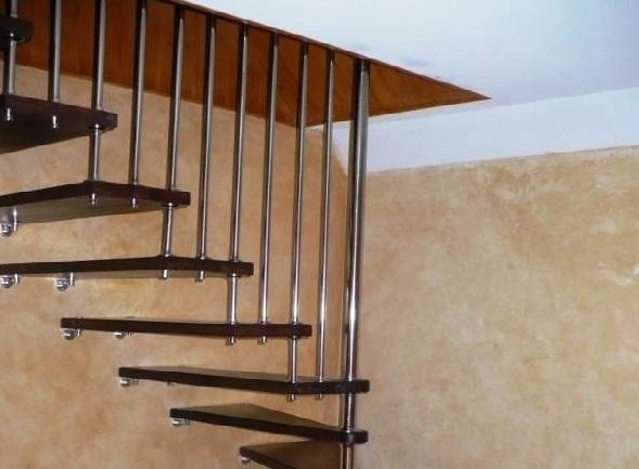 лестница на больцах на чердак