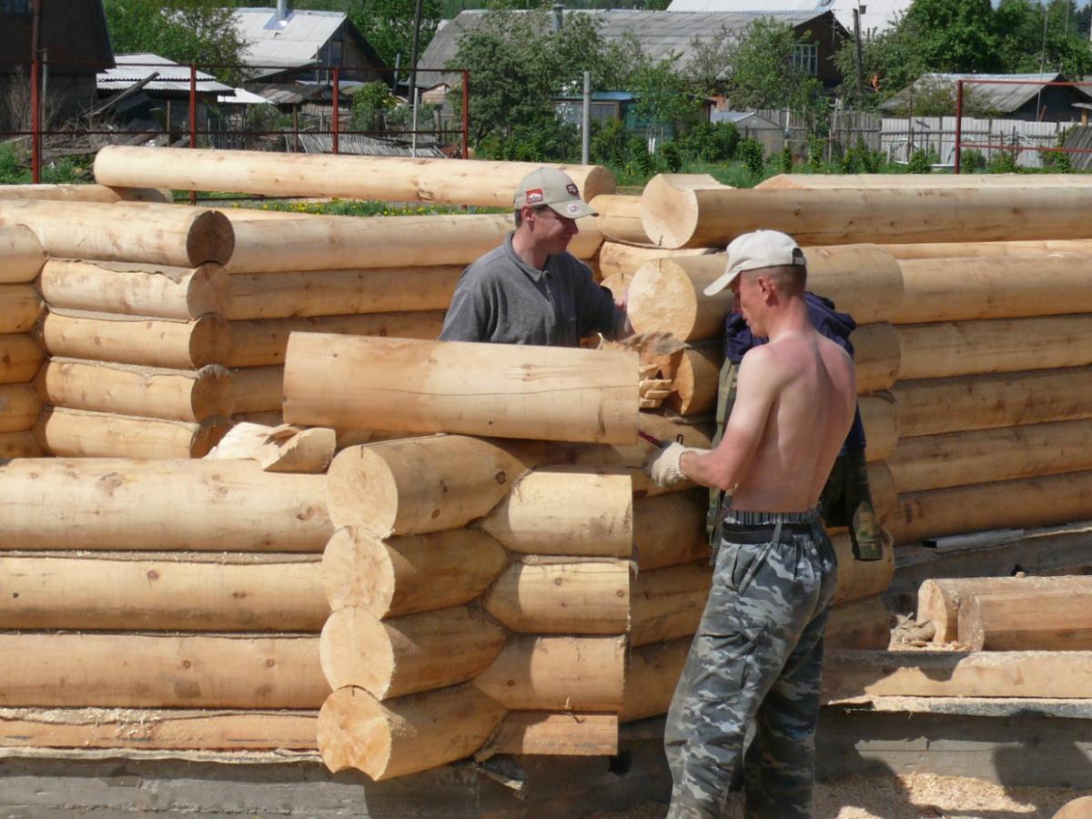 нанять строителей для возведения загородного дома