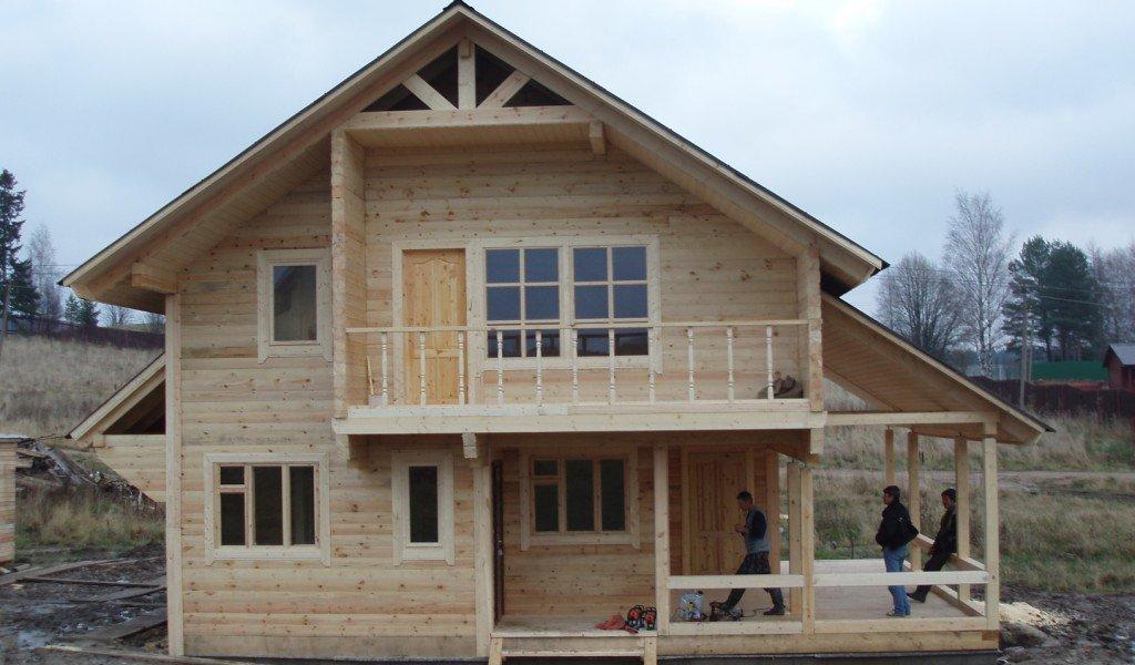 загородный дом из бруса 8х8 метров