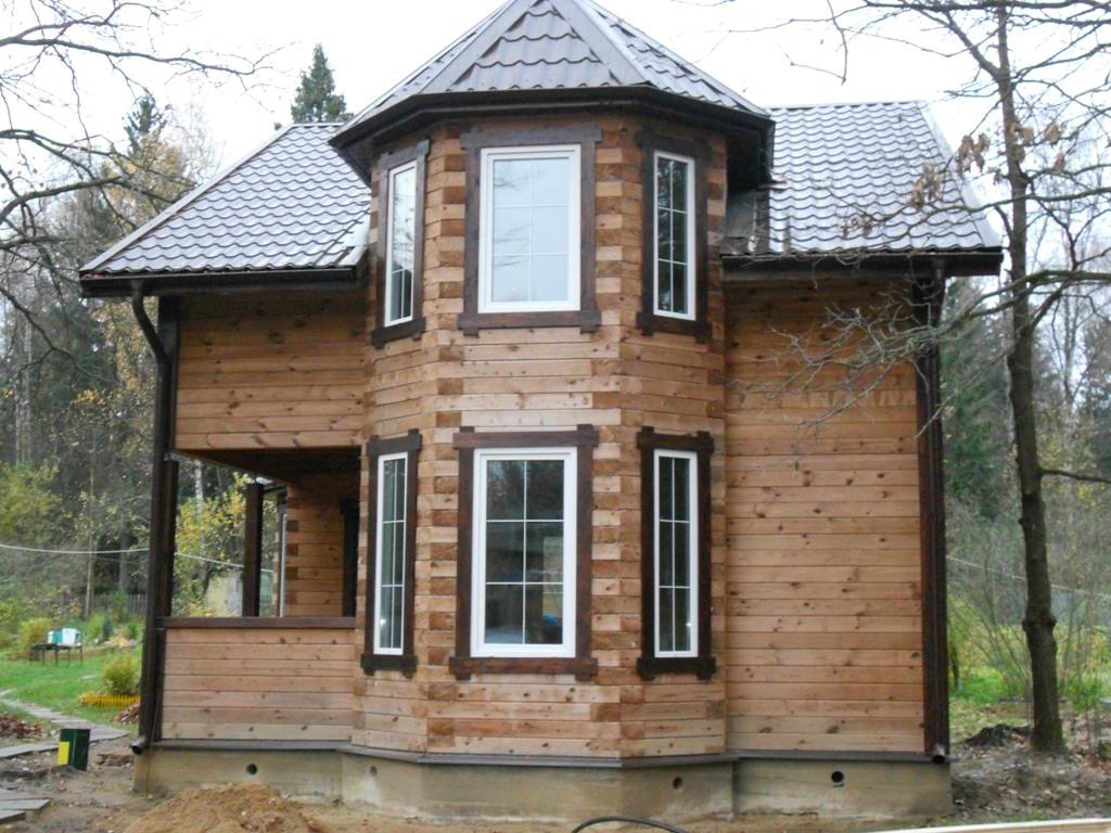 Дом из бруса с эркером