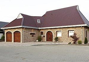 Четырехскатная полувальмовая крыша
