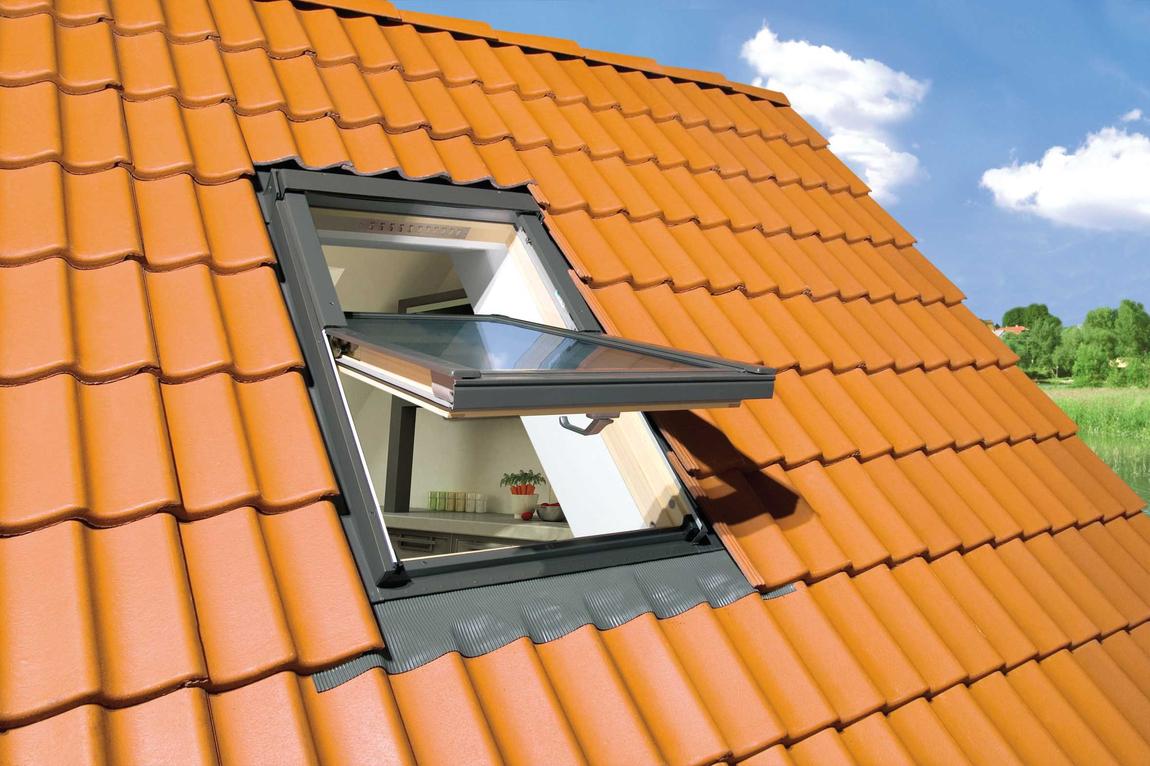 Мансардное окно в крыше