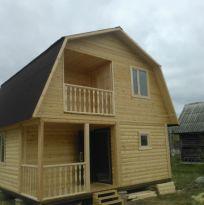 Дом 6х6 из бруса с балконом и террасой