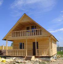 Большой дом 6х8м с мансардой и балконом