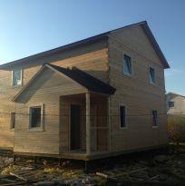 Двухэтажный деревянный дом из бруса (сундучок)