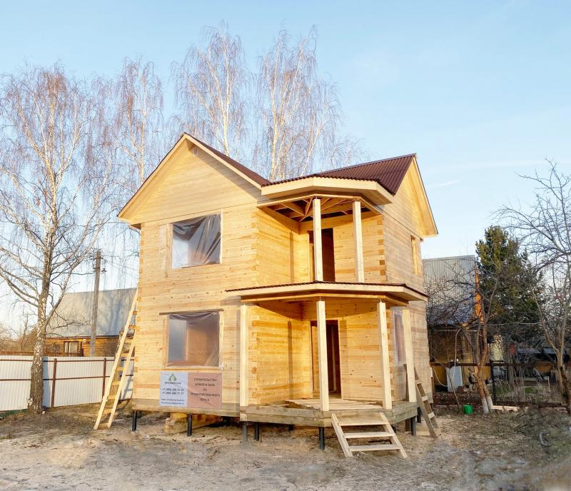 Дом 7х7м в два этажа из бруса 150х150 мм без отделки